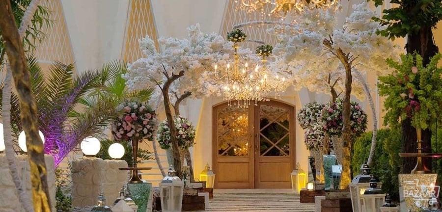 گل آرایی ورودی باغ تالار